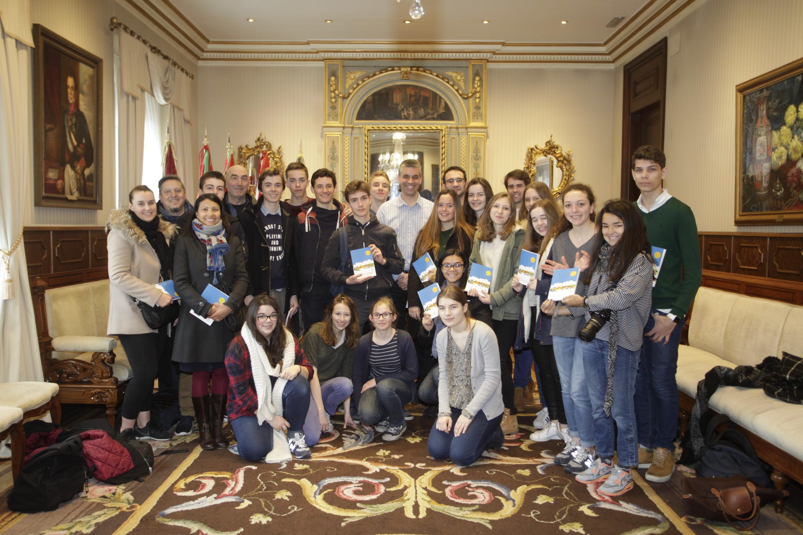 14 marzo 2016 notas de prensa for Piso koldo mitxelena